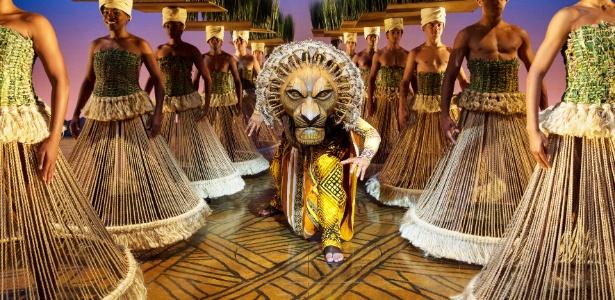 2013---o-leao-mufasa-em-cena-do-musical-o-rei-leao-da-disney-1364245315975_615x300